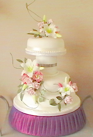 pink wedding cake designs.jpg